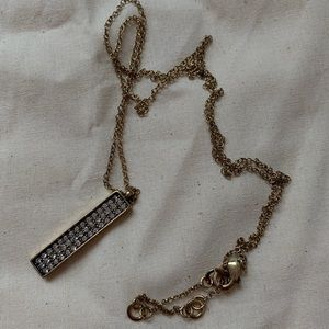 Jewelry - 🆕 NWOT Gold Crystal Statement Necklace